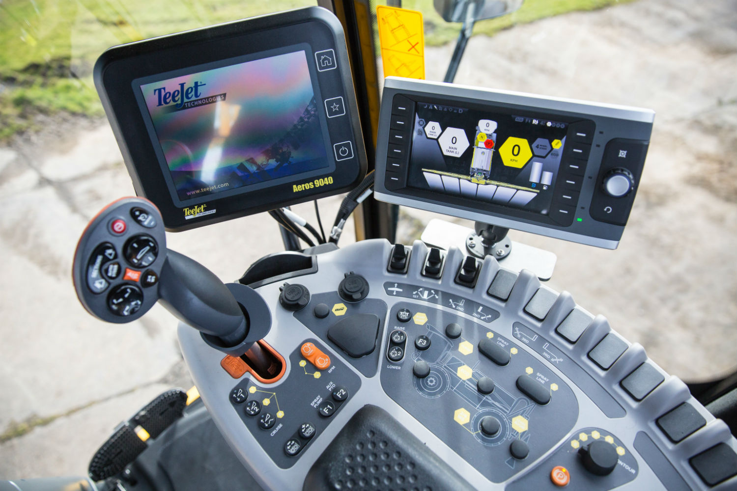 Chafer sprayer cab article for Pro Operator